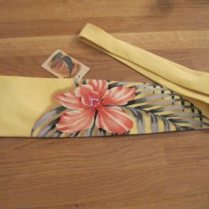 NWT TOMMY BAHAMA 100% Silk Tie